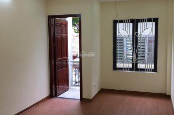 Mặt phố Giáp Bát xây mới, vỉa hết oto tránh 30m x 5 tầng. Kinh doanh đẹp l. Lh 0379660411