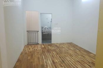Cho thuê nhà nguyên căn mặt tiền đường Xóm Chiếu, Quận 4. Giá: 27tr/th, DT: 80m2, LH: 0982.063.934