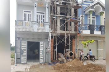 Bán gấp lô đất 64m2 ngay chợ Phú Phong, mặt tiền đường DT743, Thuận An, Bình Dương, SHR NHHT 70%