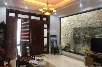 Chính chủ cho thuê nhà 4 tầng trong ngõ phố Văn Cao, 100m2 * 4 tầng, 40tr/1th. Lh 0985030081