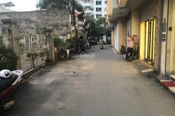 Bán 30m2 đất phố Nguyễn Khánh Toàn ô tô đỗ gần 1.8 tỷ