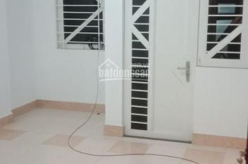 Cho thuê nhà 93/27 XVNT gần Cầu Thị Nghè cách Q1 5P, nhà đẹp giá chỉ 26tr mtg