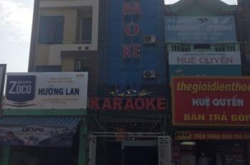 Chính chủ bán nhà mặt phố 5 tầng DT 74m2 tại Việt Yên, Bắc Giang, hiện đang kinh doanh quán karaoke