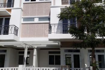 Cần bán gấp nhà phố Lovera Park, DT 5x15m, số nhà 18, hướng Đông Nam, giá 3,9 tỷ, gần công viên