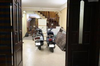 Chính chủ cần cho thuê nhà riêng để ở, làm văn phòng ngõ 209 Đội Cấn. LH: Mrs Minh 0985459971.
