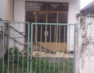 Ly dị vợ bán nhà nát Bình Phú, Q. 6 gần Metro. DT 60m2, sổ riêng chính chủ, xây tự do
