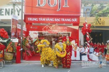 Nhà mặt phố Trần Duy Hưng diện tích 80m2 x 3 tầng, mặt tiền 8m. Phù hợp thời trang, showroom
