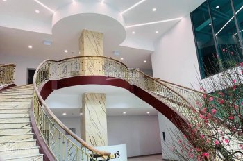 Cho thuê căn hộ One 18 Ngọc Lâm, 90m2, 2PN, 2WC, đồ cơ bản giá 10.5tr/th, LH 0941.599.868