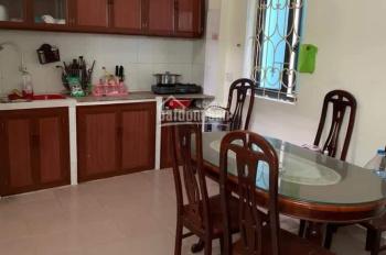 Cho thuê nhà riêng 3 tầng phố Tân Mai 2PN + 2WC giá 8 triệu/tháng, LH: 0352214494
