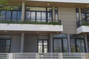 Nhà đẹp, bán nhanh DT 5x17m. kết cấu 1 trệt, 2 lầu, giá 5.3 tỷ. LH: 0906 656 117