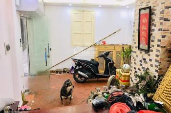 Nhà đẹp bán nhanh Hoàng Ngân, Thanh Xuân, 5 tầng, 40m2, 3.9 tỷ, ô tô, LH 0869753588