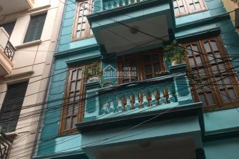 Cho thuê nhà ngõ phố Trần Duy Hưng, Cầu Giấy. DT 65m2, 5 tầng, MT 5m, giá 29tr/th LH 0961258683