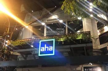 Sang nhượng quán cafe AHA phố cổ Hoàn Kiếm, khách đông đúc, lô góc 3 mặt tiền, đông đúc