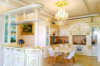 Cần bán căn biệt thự hoàng gia kiến trúc phương Tây, cao cấp, sang trọng, giá trị 2 mặt tiền