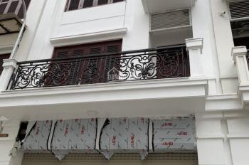 Cho thuê nhà liền kề Khu 90 Nguyễn Tuân, 76m2 x 5 tầng, MT 5,5m, thông sàn, có thang máy