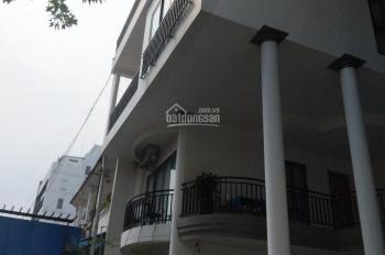 Bán nhà mặt phố đường Nguyễn Trọng Lội, DT: 10*30m, ngay cửa hông sân bay