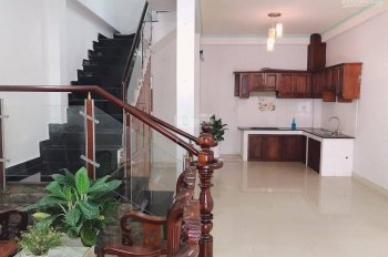 Cần bán nhà Tăng Nhơn Phú A, Q9, SHR, giá 3,7 tỷ