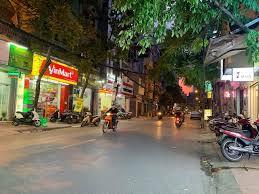 Cho thuê nhà mặt phố Hoàng Văn Thái, DT 70m2, MT 8,4m, giá 40 tr/th