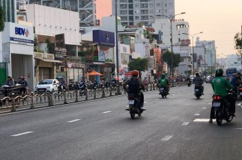 Bán lô đất MT đường 41 Nguyễn Thị Thập, Quận 7, cách Lotte Mart 200m, sổ hồng riêng. Giá 2,45 tỷ