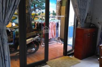 Cho thuê mặt bằng nhà MT đường Đồng Khởi, Bến Nghé, Q.1. 4x18m, giá 200 triệu/tháng