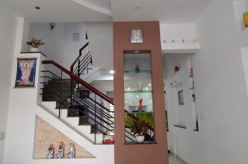 Gia đình xuất cảnh cần bán gấp nhà Quận Tân Phú, diện tích 135m2