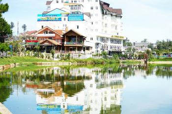 Bán khách sạn mặt tiền đường lớn, view bờ hồ, cách Hồ xuân Hương chưa tới 100m