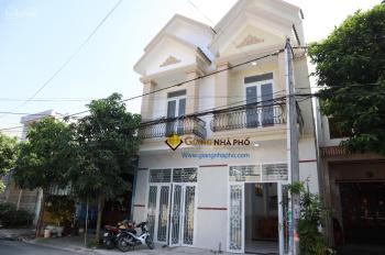 Bán nhà Phố cao cấp KDC Phú Hòa 1, 1 trệt 1 lầu, 3 phòng ngũ, 3 vệ sinh, 1 phòng thờ, sân để oto
