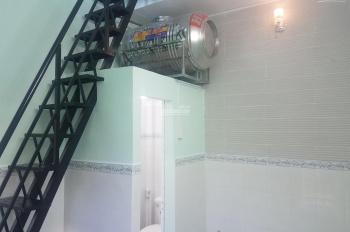 Nhà nhỏ ngay đường Võ Văn Kiệt - 15p tới Q. 1