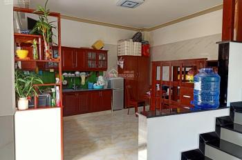 Bán nhà giá rẻ ngay trung tâm đang kinh doanh Homestay, diện tích: 65m2