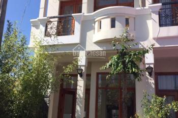 Bán căn nhà phố Anada Đà Lạt DT 96m2 4PN, 6WC, 2PK, SH LH 0937311081
