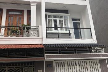 Cần bán nhà đường Tô Hiệu, quận Tân Phú, 1 trệt 2 lầu, liên hệ 0937287286