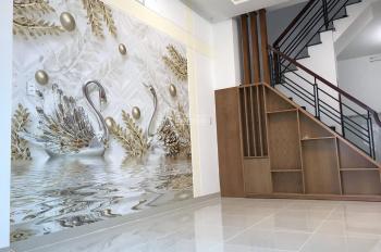 Bán nhà mới xây đúc 2 lầu có 4 phòng ngủ 3WC. Cực đẹp, ngay ngã tư Tô Ký - Nguyễn Ảnh Thủ, Q 12