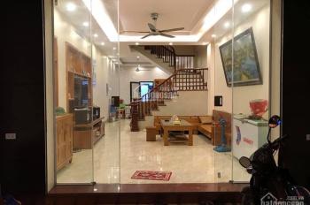 Bán nhà sổ đỏ chính chủ phố Thái Thịnh mới xây 5 tầng, 10 phòng ngủ giá 4.4 tỷ