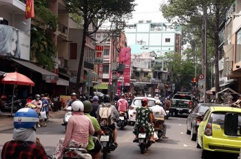 Về Đài Loan bán nhà mặt tiền Tản Đà, Quận 5. DT: 4x20m, giá 18 tỷ