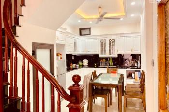 Bán nhà siêu đẹp 4 tầng, 41m2 cực đẹp ở Tư Đình, quận Long Biên. LH 0984134497