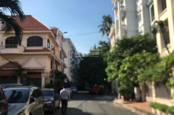 Biệt thự cho thuê Hồ Văn Huê, DT: 7 x20m Trệt 3 Lầu Trống suốt. Giá 50 triệu