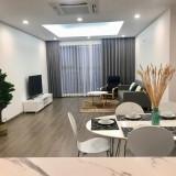 Cho thuê căn hộ tại Cầu Giấy, diện tích 123m2