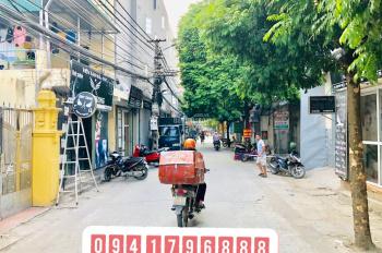 Hot bán 42m2 đất thổ cư tại TT Trâu Quỳ, Gia Lâm đường oto vào nhà giá siêu  rẻ vì cần tiền gấp