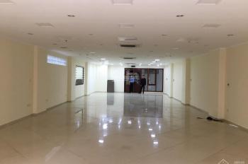 Cho thuê nhà mặt phố Khâm Thiên Agribank vừa trả 180m2 x 2 tầng, MT 7,5m. LH: O946850055