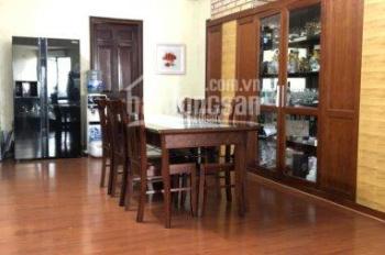 Cần bán gấp căn hộ 131m2 chung cư nhà A5 Làng Quốc Tế Thăng Long