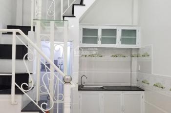 Bán nhà 2 lầu, diện tích 3x5.5m, P. Hiệp Bình Chánh, giá 990 triệu, LH 0909662854