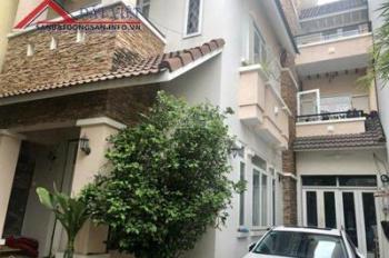 Cho thuê nhà nguyên căn mặt tiền P.Tân Quy, Q.7, DT đất 176m2, 1 trệt 2 lầu, 7 phòng giá 50tr/tháng