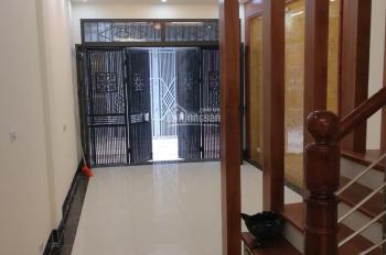 Cần bán nhà phố Giáp Bát, Hoàng Mai, Hà Nội, 65m2 * 4 tầng, giá 3,6 tỷ có bớt, 0915973631