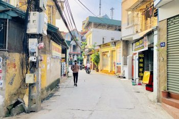 Cần tiền bán gấp nhà 4 tầng, DT 48m2 tại Đông Dư, Gia Lâm, Hà Nội, đường oto giá siêu hấp dẫn