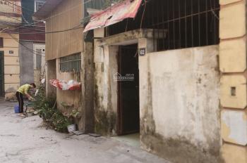 Cho thuê nhà riêng biệt ngõ 260 Tân Mai 50m2, gác xép 40m, điện nước giá nhà nước