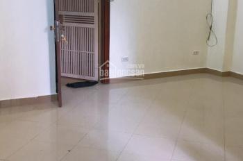 Cho thuê chung cư B11 Nam Trung Yên, Cầu Giấy. DT 65m2, giá 7tr/th