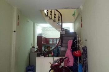 Cho thuê nhà riêng tại 219/19 Định Công Thượng 3 tầng, 3 phòng ngủ, điều hòa, nóng lạnh đầy đủ