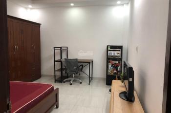 Cho thuê căn hộ tiện nghi đường Đề Thám, Cô Giang, Quận 1
