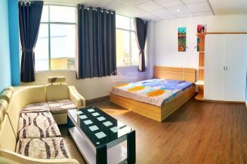 Cho thuê căn hộ siêu cao cấp, góc view siêu đẹp, ngay cầu Thị Nghè. L/H: 0839470506