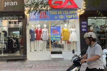 Cửa hàng kinh doanh thời trang, mỹ phẩm mặt đường chính phố Kim Mã giá thuê chỉ 23tr/th